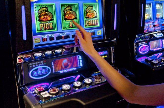 Играть в Нетгейм казино на деньги и бесплатно